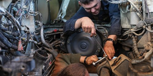 heavy-equipment-repair-picture